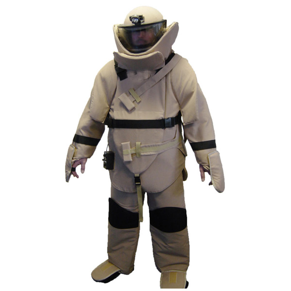 protechsales-united-shield-international-Olympia-bomb-disposal-suit